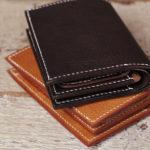 エルバマットの手縫い革財布、制作風景